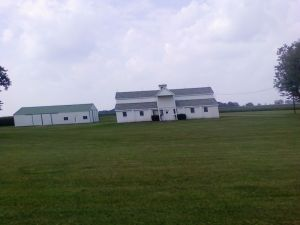 Always intriques me.  Center front is living quarters, the rest is barn!
